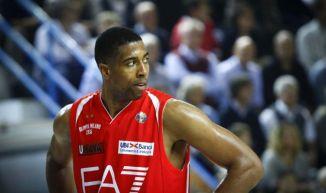 Conhecido no basquete europeu, o americano Richard Hendrix é novidade na equipe russa. (Foto: Reprodução/Tutto Sport)