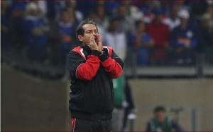 Muricy foi bem ao escalar o time com três defensores (Foto: Rubens Chiri/saopaulofc.net)