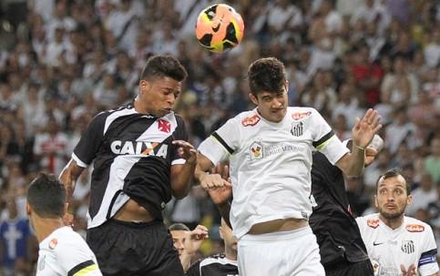 Vasco e Santos ficaram no empate por 2x2 (Foto: Marcelo Sadio/ Flick Vasco)