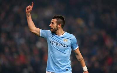 Negredo marcou três dos cinco gols do City (Fotos: Getty Images)