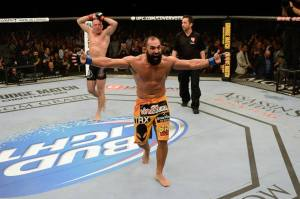 (O barbudo estava confiante da vitória ao término dos 25 minutos. Foto: Divulgação/UFC)