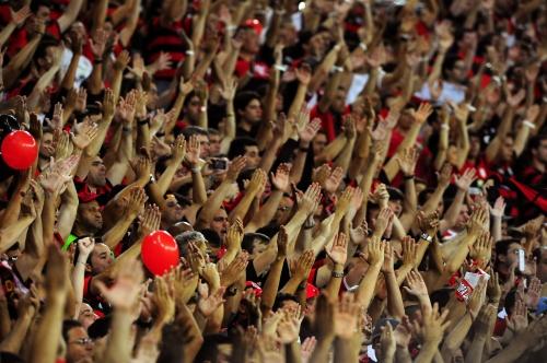 Flamenguistas lotaram o Maracanã: rubro-negro é o primeiro clube campeão após a reinauguração do estádio (Foto: Alexandre Vidal/ Fla Imagem)