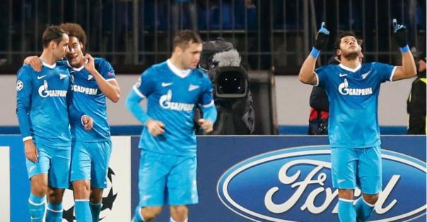 Zenit, de Hulk, vai disputar a segunda vaga contra o Porto (Foto: Reuters/Alexander Demianchuk)